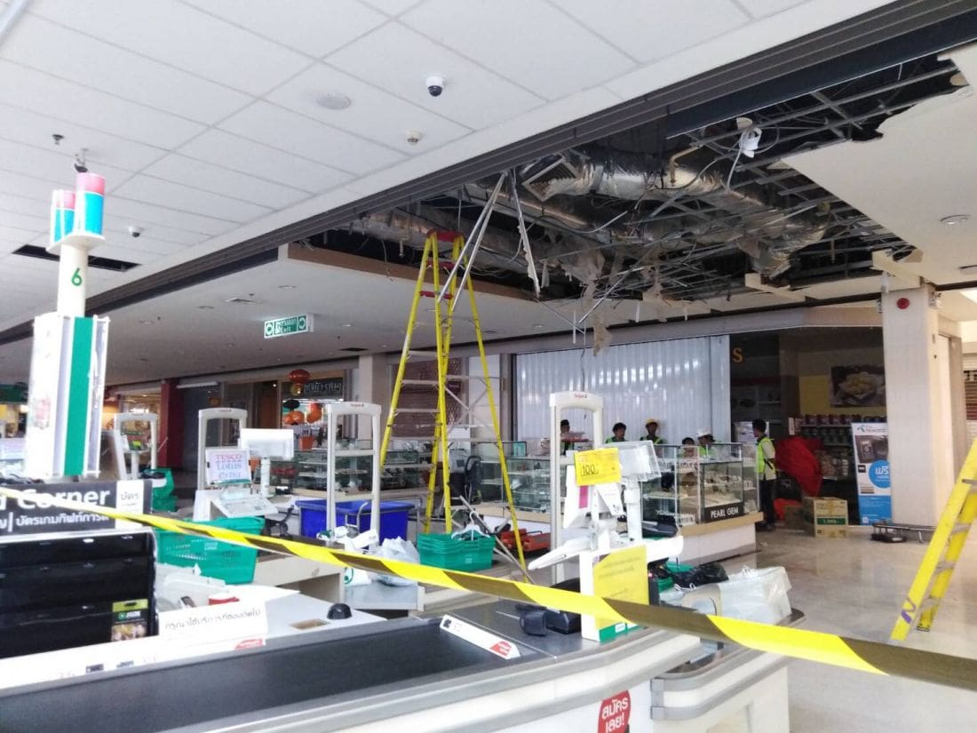 No injuries as ceiling collapses at Tesco Lotus Samkong | The Thaiger