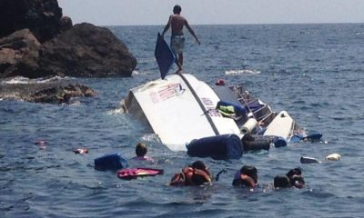43 foreign Phuket tourists saved after speedboat capsizes on way to Koh Phi Phi – VIDEO | The Thaiger