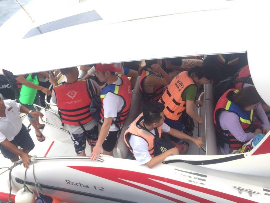 120 foreign tourists being brought back from Koh Racha - Pabuk | News by Thaiger