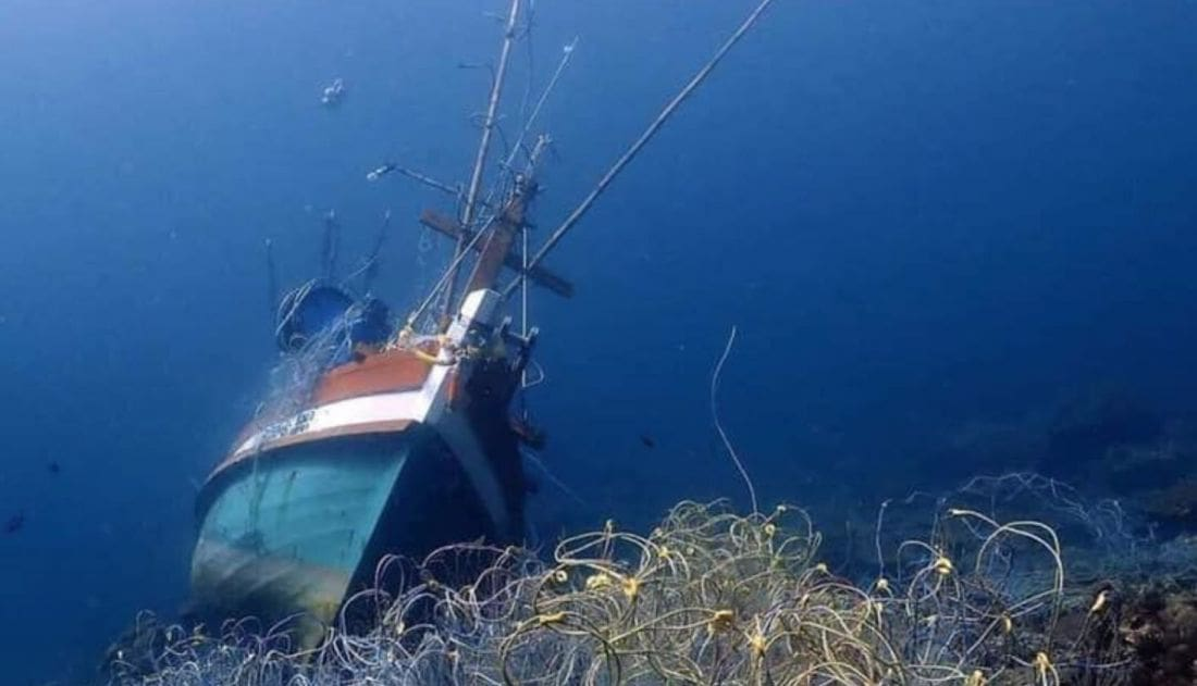 Coral damage from a sunken fishing boat at Koh Racha Noi  – Phuket | The Thaiger