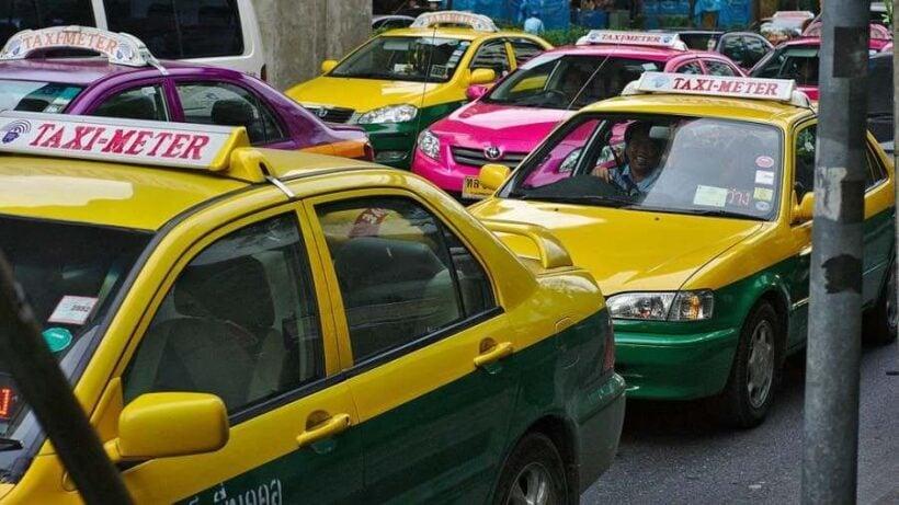 สุดกร่าง! แท็กซี่ปฏิเสธผู้โดยสาร ด่าหยาบคาย – ถ้ารวยไม่ต้องมาขึ้นเเท็กซี่   The Thaiger