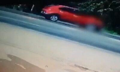 หญิงเจ้าของร้านอาหาร จ.กระบี่ ดวงซวย ชายจงใจกระโดดตัดหน้ารถฆ่าตัวตาย[คลิป] | The Thaiger