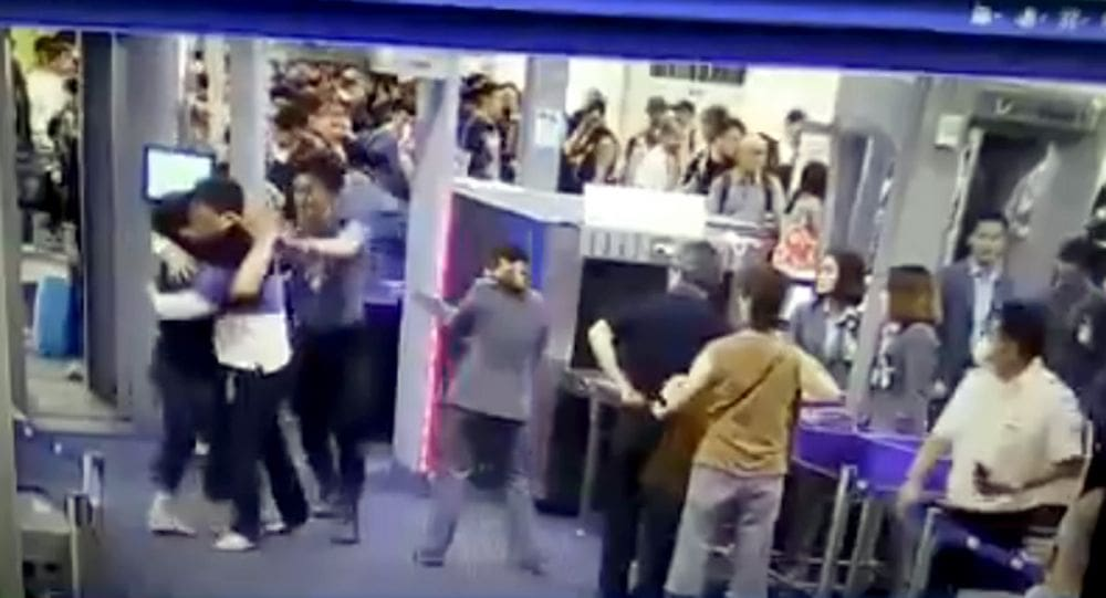 Slapped airport security worker praised for showing restraint | News by Thaiger
