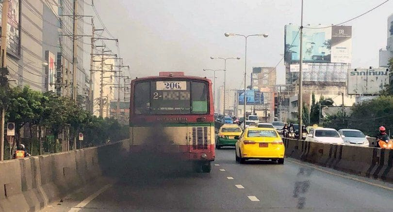 Bangkok smog: Police on the lookout for dirty exhaust from vehicles | News by The Thaiger