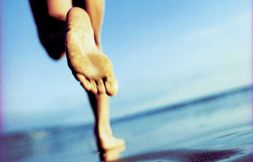 Bare your sole. The benefits of barefoot training. | The Thaiger