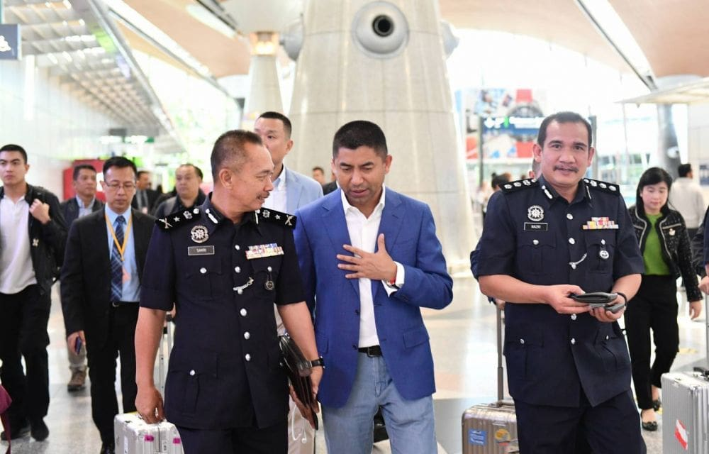 Seven Nigerians and seven Thais arrested in transnational romance scam sting | The Thaiger