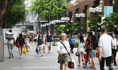 Orchard road bans smoking | The Thaiger