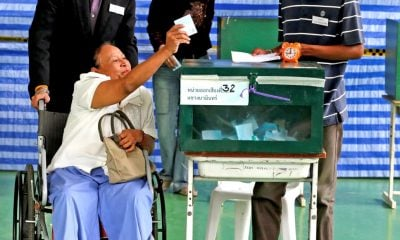 Election Commission throws onus for election date back on Government | The Thaiger