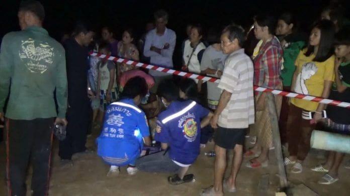 พ่อแม่ใจสลาย แม่น้ำชีกลืนร่าง 3 เด็กน้อยดับ ช่วยทันแค่ 1 คน | News by The Thaiger