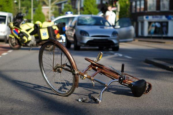 สนช. ผ่าน พรบ.จราจรใหม่ เพิ่มโทษแช่ขวา - เมาขี่จักรยานปรับ 500 | News by The Thaiger