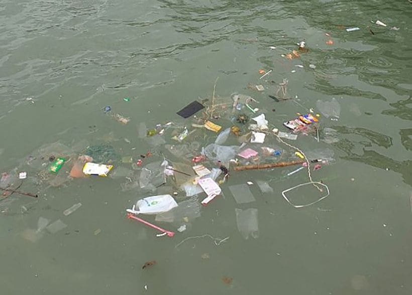 Pattaya boat pier surrounded by rubbish | The Thaiger