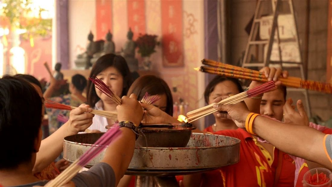 Authorities urge curbs on burning incense sticks for Chinese New Year | The Thaiger