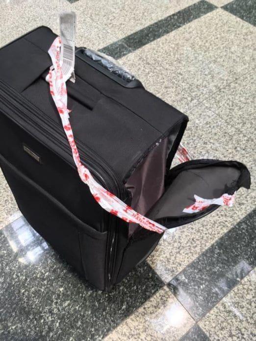 สาวโพสต์โวยสายการบินดัง ถูกขโมยหน้ากากอนามัยในกระเป๋า – พนักงานบอกประกันไม่คุ้มครองทรัพย์สิน   The Thaiger