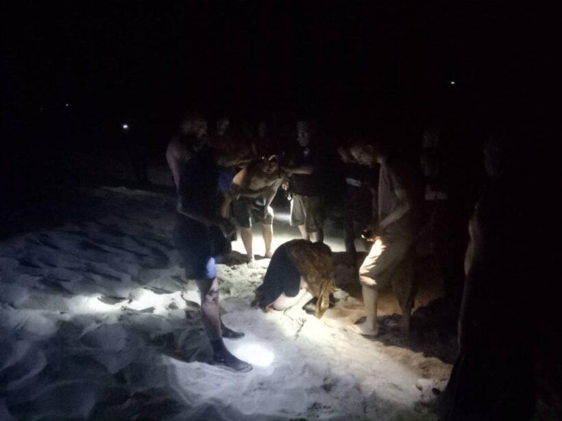นาทีชีวิต สาวรัสเซียหวิดดับ ลงเล่นน้ำทะเลเกาะลันตา | News by The Thaiger
