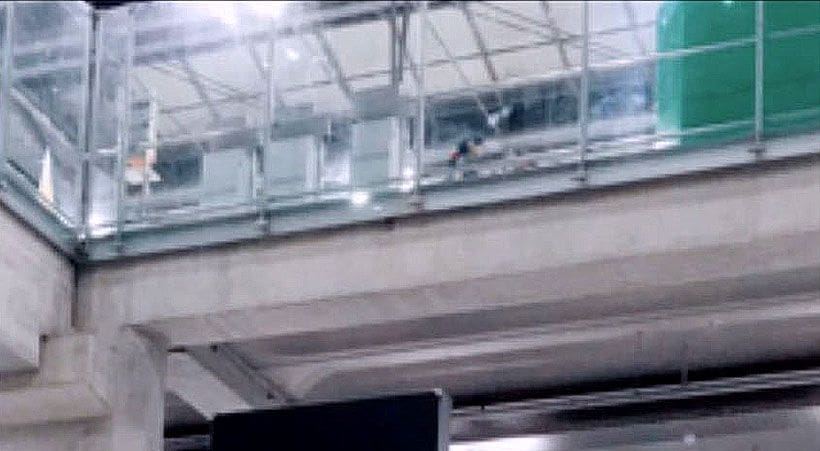 Russian tourist leaps from fourth floor at Suvarnabhumi | News by The Thaiger
