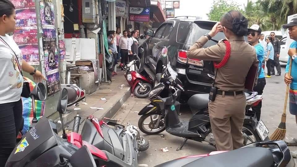 Drunk British man with prosthetic arm responsible for Pattaya roadside crash – VIDEO | The Thaiger