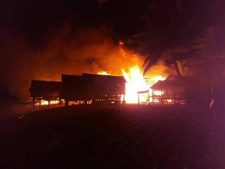 Fire destroys Morgan Village in Phang Nga - VIDEO | News by The Thaiger