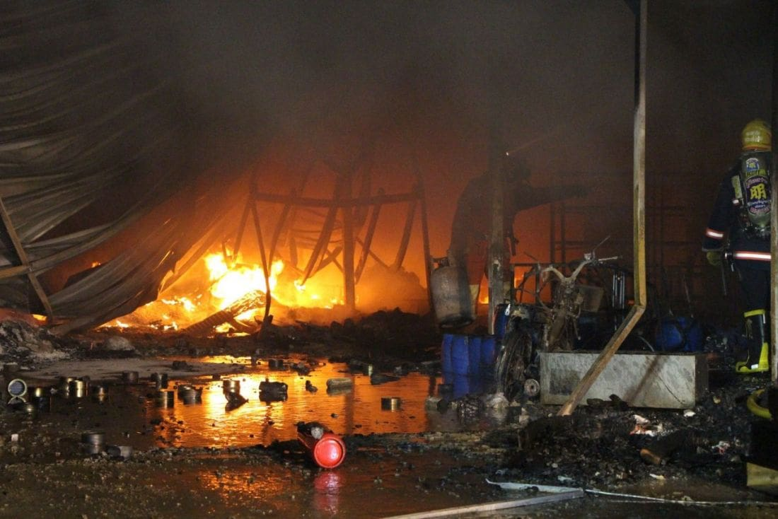 Car-polish warehouse destroyed in Pattaya blaze | News by Thaiger
