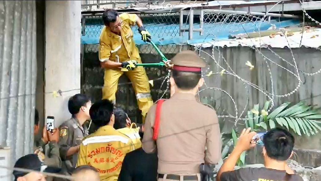 Woman falls to her death from Bangkok hotel | The Thaiger