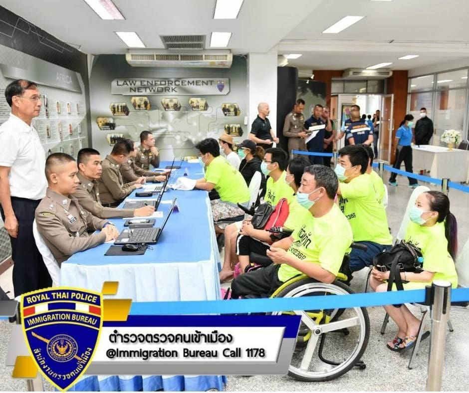 Six Chinese arrested for begging in Bangkok, Thailand | The Thaiger