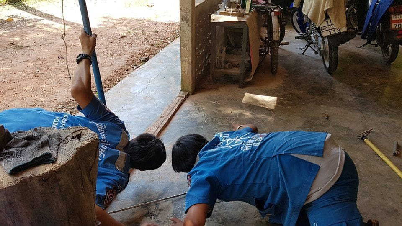 Injured three metre king cobra caught in Krabi | News by The Thaiger