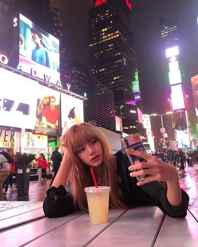 ภาพน่ารักๆของ ลิซ่า BlackPink ใน New York | News by The Thaiger