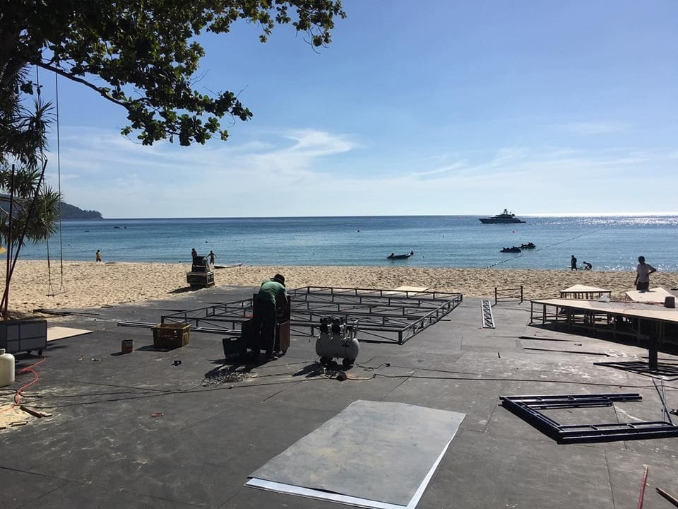 Staging and structures demolished on beach in Cherng Talay | News by The Thaiger