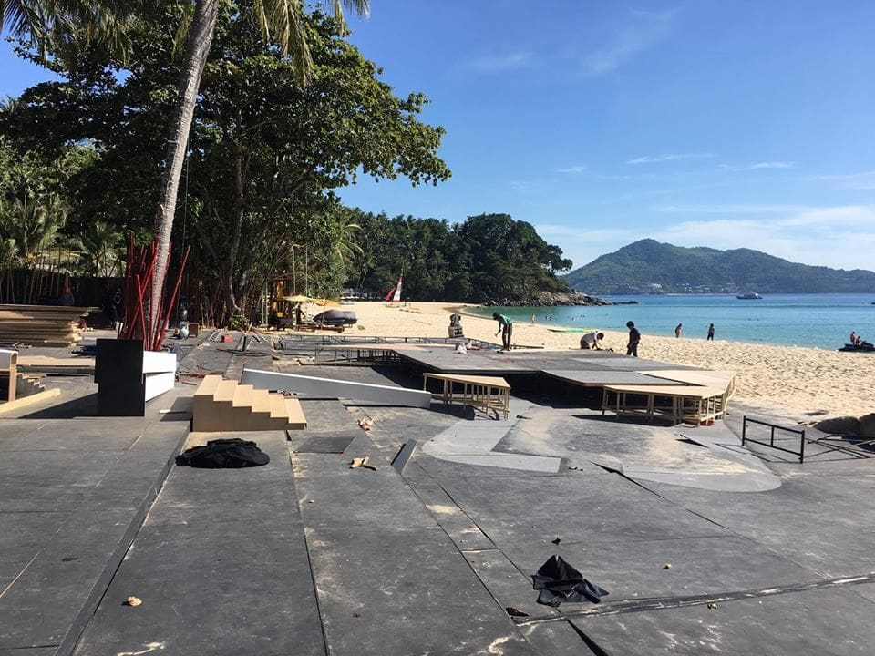Staging and structures demolished on beach in Cherng Talay | The Thaiger