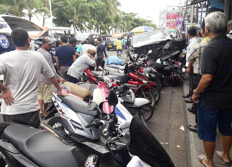 People hospitalised after car slams into parked motorbikes in Pattaya | News by Thaiger