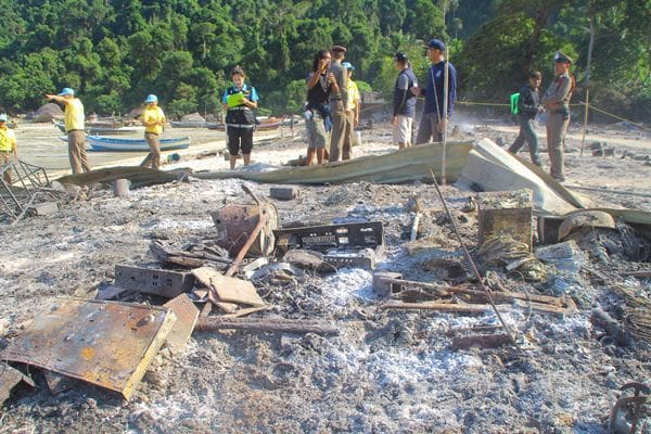 Oil from a lamp started Sunday fire - Moken village headman | News by The Thaiger