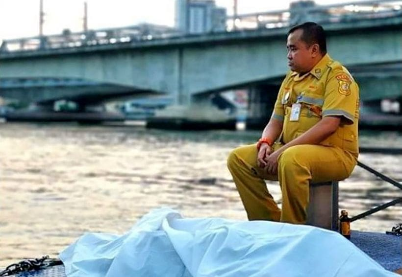 Rescuers slam local police for lack of response after body found in Chao Phraya | The Thaiger