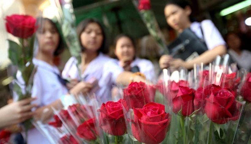 Valentine's roses leap in price this year | News by The Thaiger
