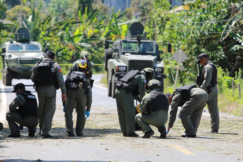 Southern ranger killed, two injured in Yala bomb ambush | The Thaiger