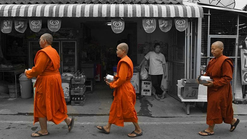 Undoing a 90 year ban on female monks | Thaiger
