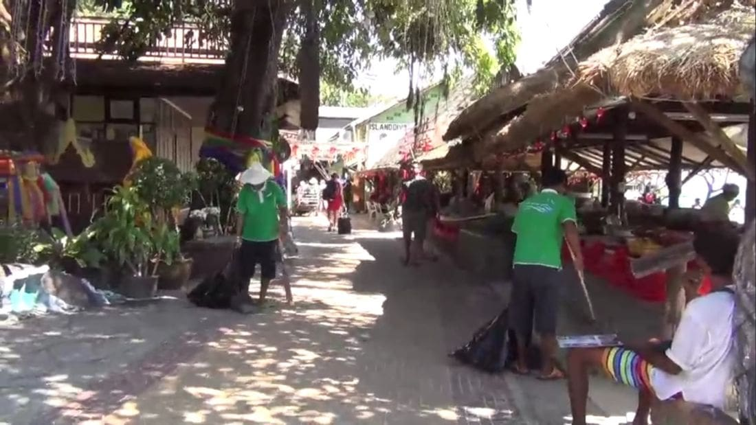 Krabi tour operators call for crackdown on foreigners touting tour packages | News by Thaiger