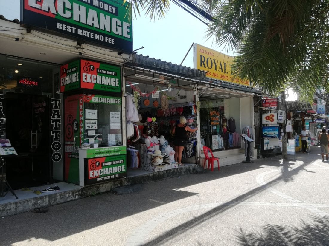 Krabi Tourist Police warn of shoplifting gangs in Ao Nang | News by The Thaiger
