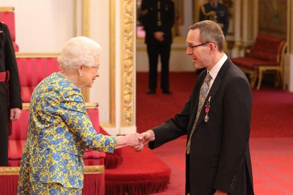 Tham Luang cave diver John Volanthen awarded medal by Queen Elizabeth | The Thaiger