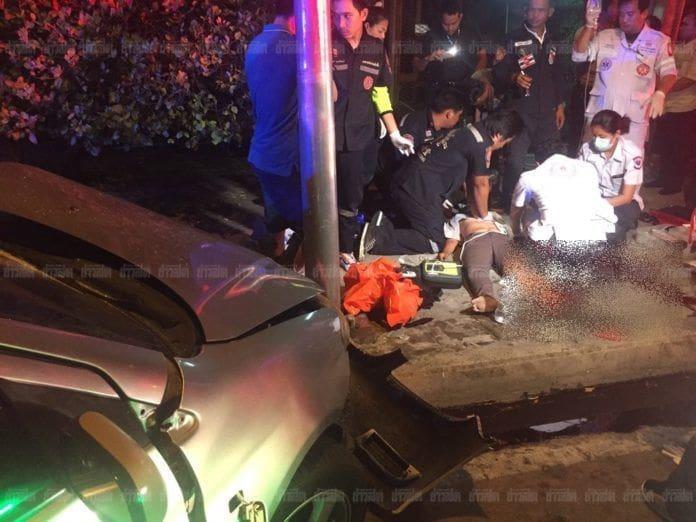 สุดยื้อ แม่ค้าลูกชิ้นถูกนักดนตรีขับรถชน เสียชีวิตแล้ว | News by The Thaiger