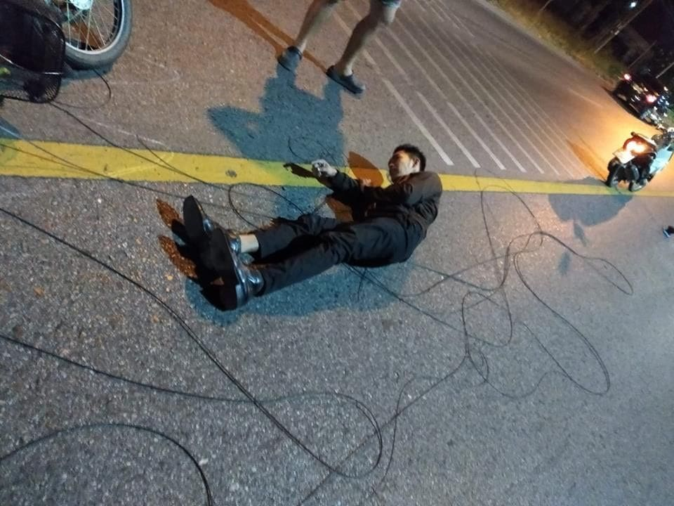 Motorbike driver files official complaint after accident from fallen cables in Kata | The Thaiger