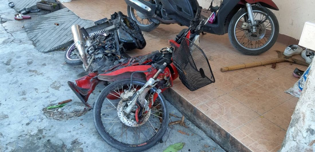 Grass fire destroys motorbikes in Rawai | News by The Thaiger