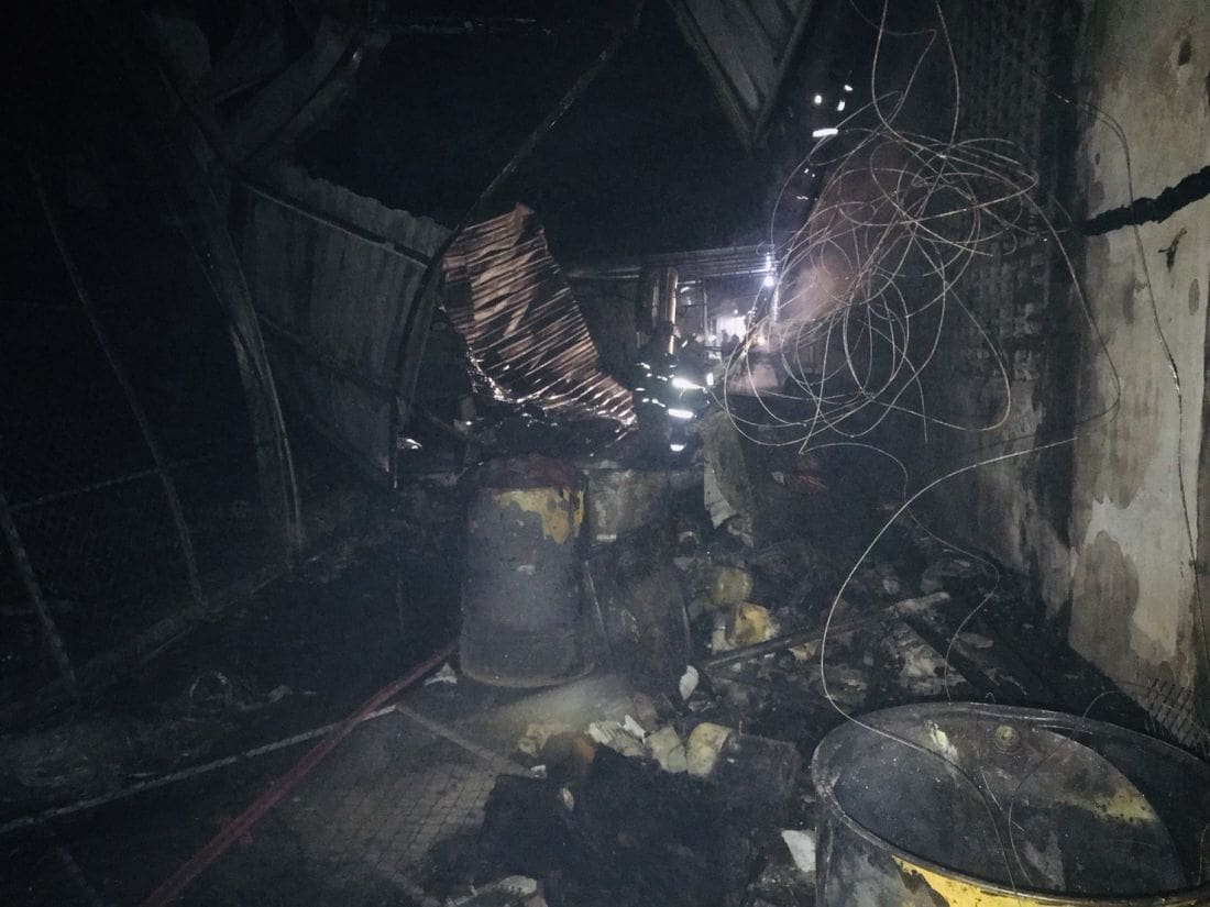 Fire damages garage along main road in Rassada | News by The Thaiger