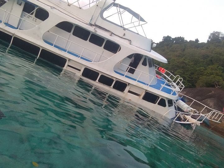 Eleven passengers recovered from dive boat after it hit rocks off Koh Similan group | Thaiger