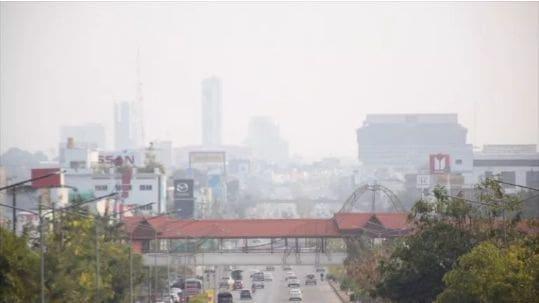 """""""ขอนแก่น"""" ครองแชมป์ ค่าฝุ่นละออง PM2.5 พุ่งสูงสุดในประเทศ – ผู้ว่าลั่น ใครสร้างมลพิษ เจอโทษหนัก   The Thaiger"""