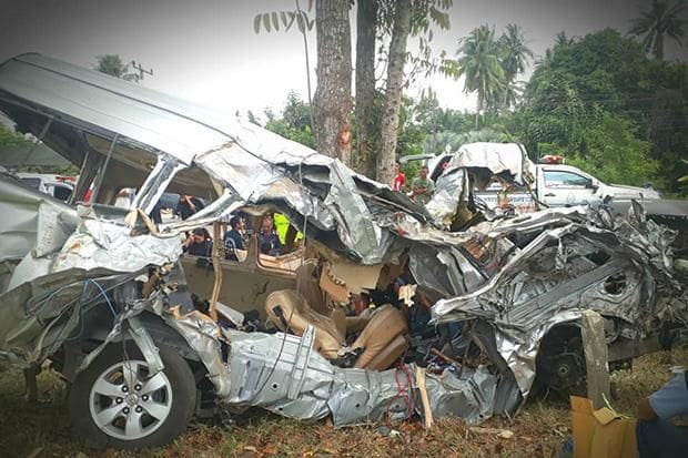 Six marine officials killed as van slams into tree, Chumpon | The Thaiger