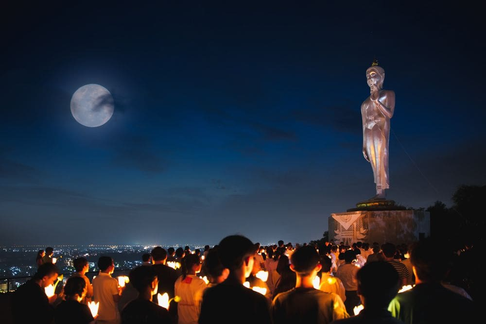 Makha Bucha Day – Why does Thailand have a public holiday? | The Thaiger