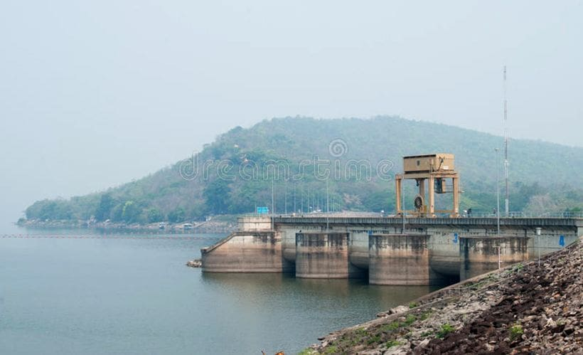 Usable water level in Khon Kaen's main dam dangerously low | The Thaiger
