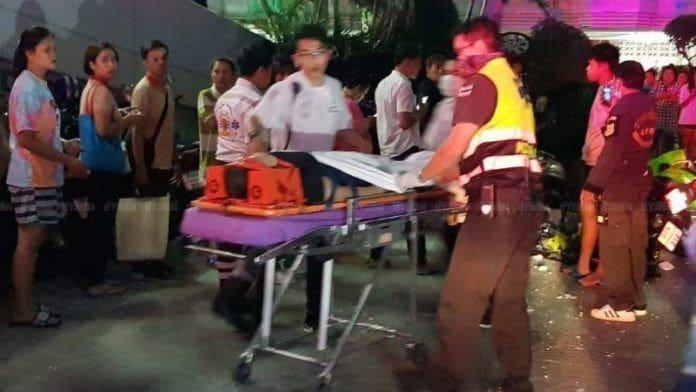 สาหัส! สาวถอยรถพลาดตกลานจอดชั้น 8 ดิ่งกระแทกพื้น เละ | News by The Thaiger