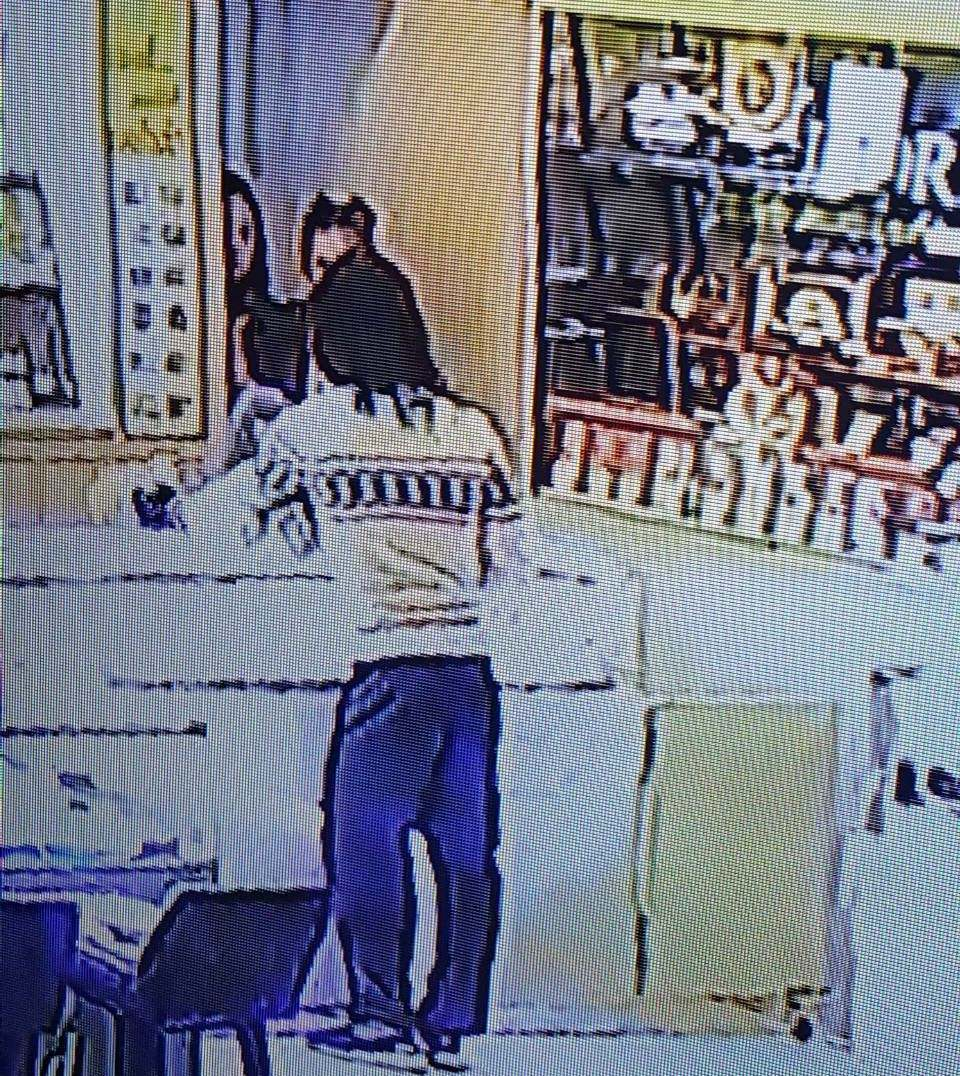 Bangkok gold shop thief gets away with jewellry valued at 3 million baht | News by Thaiger