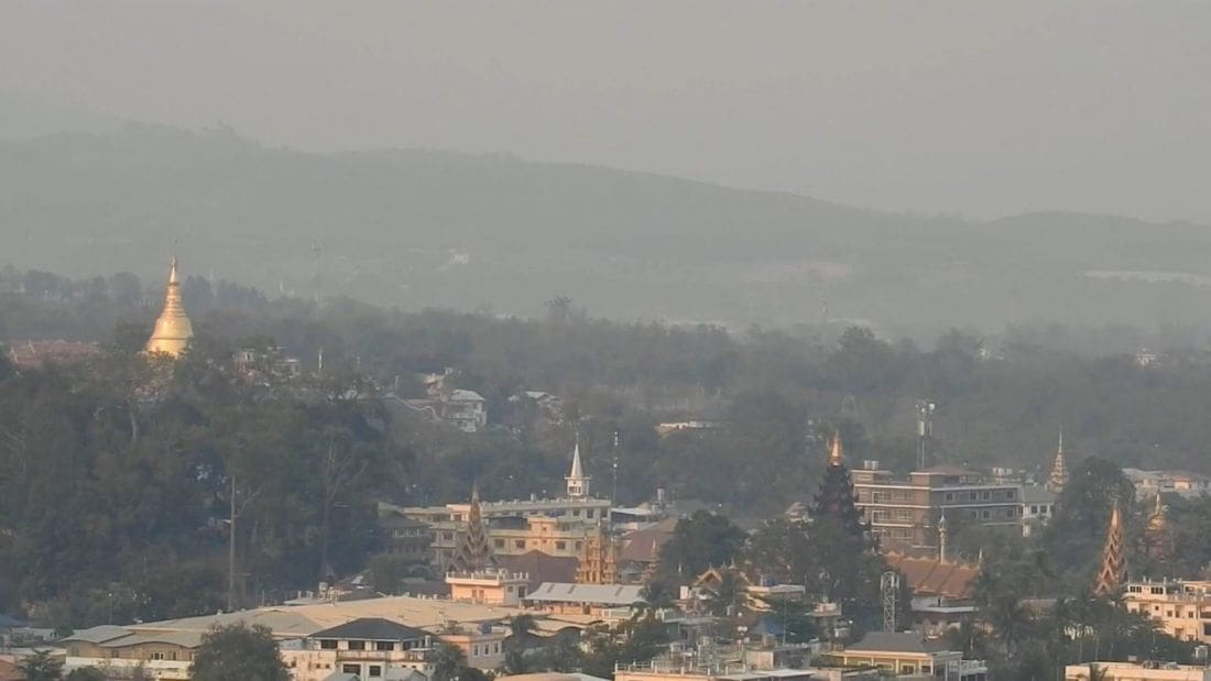 Northern provinces choking on toxic haze and air pollution again | The Thaiger
