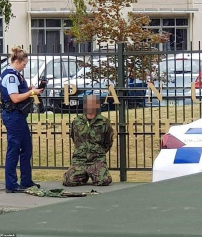 มือปืนถ่ายคลิปไลฟ์สดนาทีมรณะ กราดยิงมัสยิดนิวซีแลนด์ เสียชีวิต 49 ศพ   News by The Thaiger